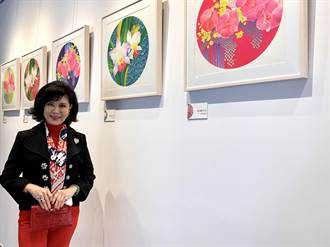 台南安平靈糧堂落成 白嘉莉展出印尼風版畫