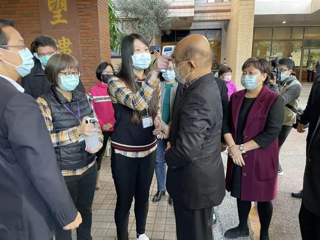 針對農委會豬標章頻出包,蘇貞昌受訪表示,農委會做法如果不夠嚴謹,應該好好檢討。(李俊淇攝)