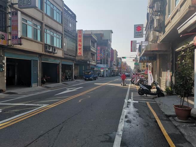 竹南鎮公所將對光復路進行纜線地下化及路面整修等工程。(謝明俊攝)
