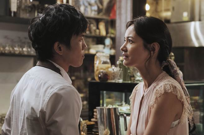 Janet、黃尚禾劇中表面是完美夫妻,私下其實是怨偶。(HBO Asia提供)
