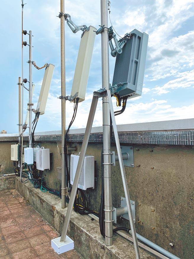 NCC編列155億前瞻預算補助五大電信業者架設5G基地台,引發爭議。(中華電信提供)