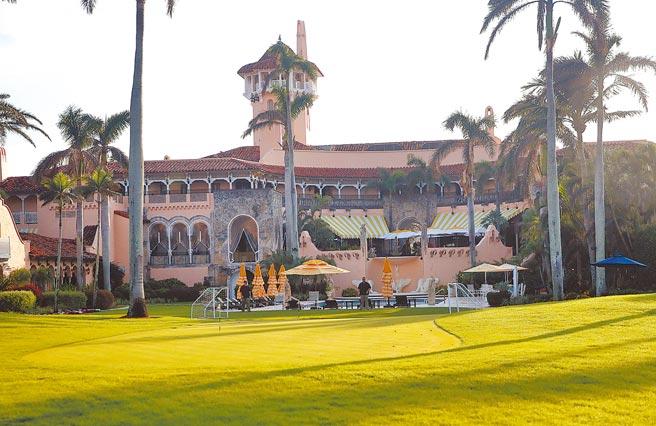 川普卸任擬飛往佛羅里達州棕櫚灘的海湖莊園定居,不過附近居民表態,不希望與川普當鄰居。(美聯社)