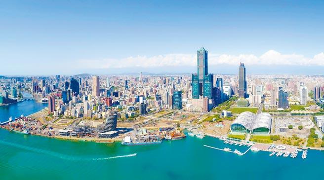 「亞灣開發聯盟」15日正式成立,盼加速亞灣開發與轉型。圖為亞灣區空拍圖。(高市府提供/柯宗緯高雄傳真)