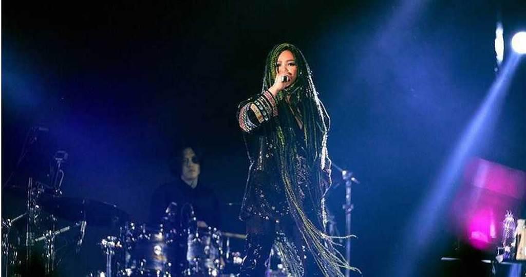 張惠妹(阿妹)去年跨年夜在台東海濱公園舉辦演唱會。(圖/聲動娛樂提供)