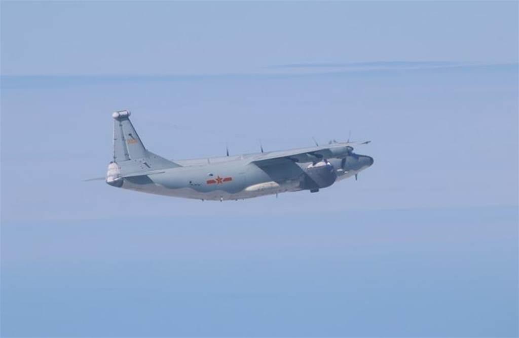 空軍17日發布共機動態,共軍1架運8遠干機侵犯台灣西南防空識別區(ADIZ)。圖為運8遠干同型機。(圖取自國防部網頁mnd.gov.tw)
