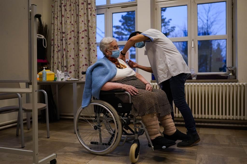 挪威辉瑞疫苗再增6名年长者死亡案例 均患有严重疾病
