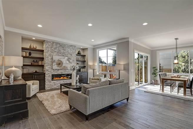 網友相中26年房屋,欲出高價購買被其他網友勸阻。(示意圖/Shutterstock)