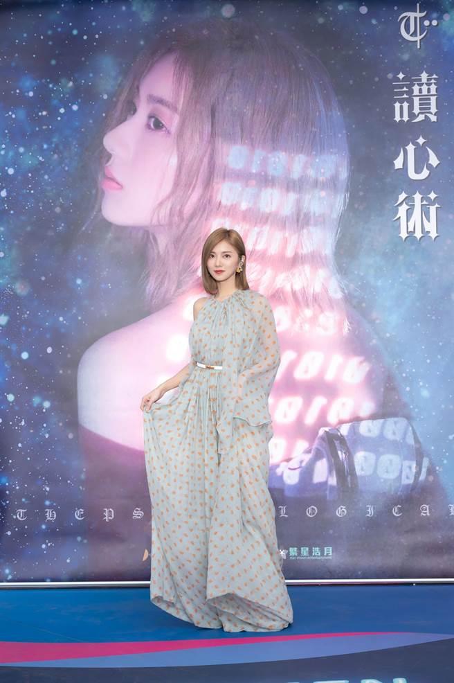 蔡黃汝16日在西門町舉辦簽唱會。(寬宏音樂&繁星浩月娛樂提供)
