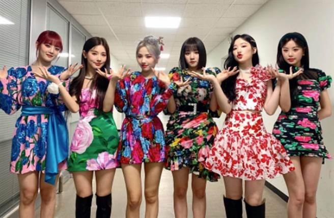 南韓女團(G)I-DLE近日帶著新曲回歸,右二為台灣成員舒華。(圖/翻攝自官方IG)