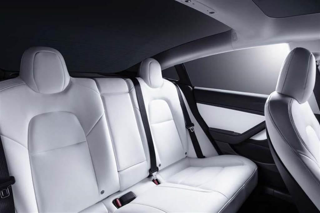 白內裝 Model 3 在台限量上市!加價 37,500 元,本季交車