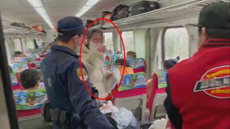 外籍女拒戴口罩比中指又飆Fxxk 台鐵列車長霸氣拒載