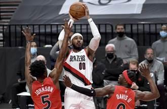 NBA》甜瓜迷蹤步投籃 柯瑞重看20遍喊讚