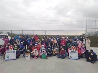 熱血老師組隊帶學童走入濕地 守護鹿角溪12年