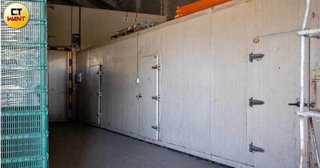 美濃區農會歷經此次教訓後,將冷凍庫全面上鎖,外人也無法輕易進出,盼盜賣事件不會再次發生。(圖/宋岱融攝)