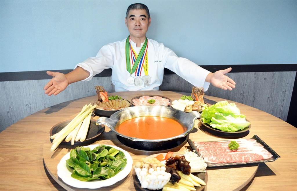 鄭堯仁返鄉奉獻所學,以精湛廚藝盼擄獲饕客的胃。(林和生攝)