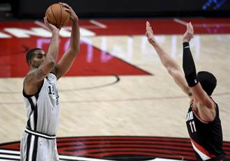 NBA》馬刺四人得分破20 客場爆打拓荒者
