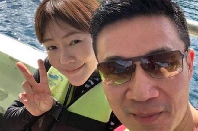 小S與老公許雅鈞結婚15年,感情依舊甜蜜。(圖/elephantdee IG)