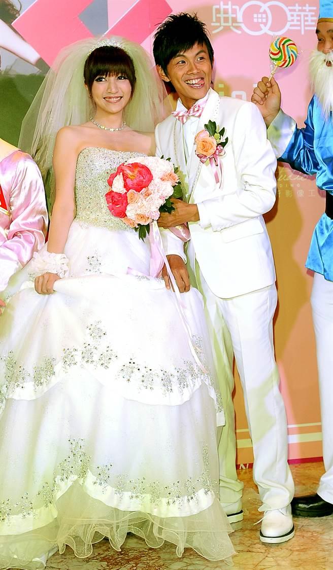 阿翔(陳秉立)和老婆Grace在2011年步入婚姻,夫妻育有2女1子,幸福組成一家五口。(圖/本報系資料照片)