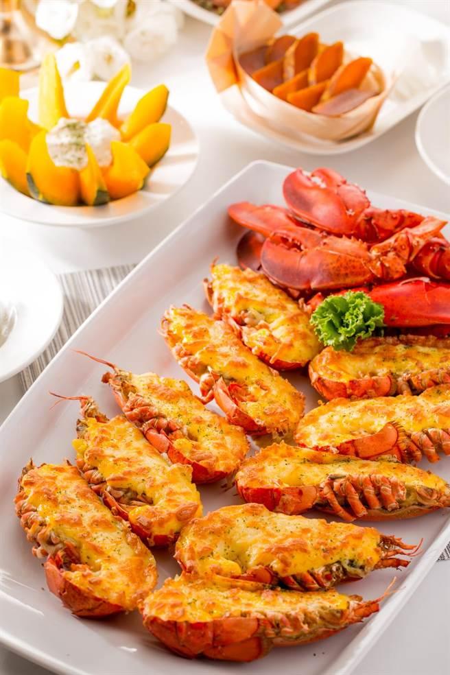 森林百匯凡預先訂位,即可享每人位上焗烤龍蝦半隻。(台中林酒店提供)