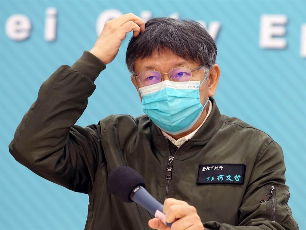 由於新冠肺炎疫情再起,柯文哲宣布台北燈節延後舉行,年貨大街取消實體活動。(范揚光攝)