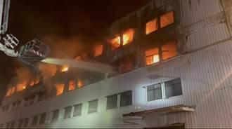 終於撲滅 台南仁德工廠悶燒11小時幸無人傷亡