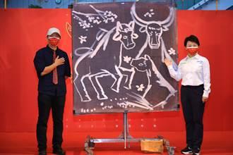 152位書法家手寫千份春聯  傳統與創意賀聯迎新春