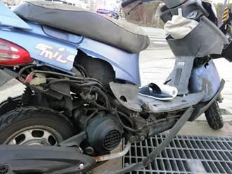 女大生騎機車雙載撞轎車 騎士噴飛重摔目前昏迷中