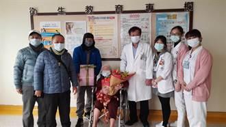 99歲嬤跌倒骨折 術後重拾健康雙腳