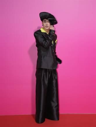 曾敬驊戴巨型報童帽當復古雅痞 登巴黎時裝周
