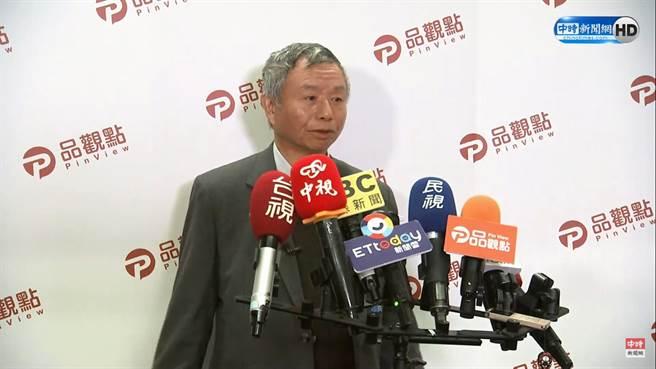 楊志良被爆搭乘捷運時,拉下口罩講電話。(圖/中時新聞網直播)