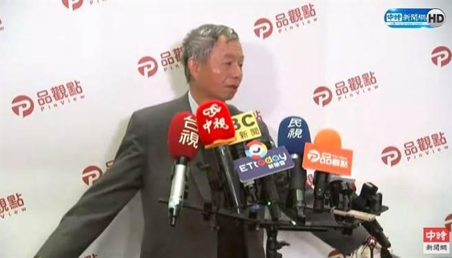 前衛生署長楊志良回應捷運拉下口罩風波。(中時新聞網直播)