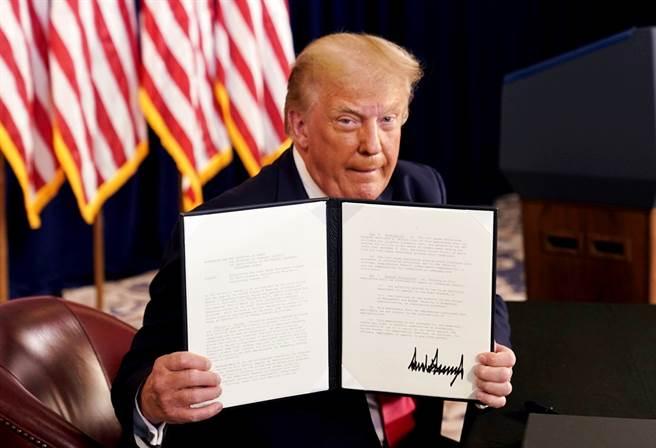 自雷根時代開始,卸任美國總統都會留下親筆字條給予繼任者,不過今年礙於川普不願認輸,外界懷疑這項維持了32年的總統交接傳統會否延續。(資料照/路透社)