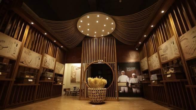 「大呷麵本家故事館」展示精緻的袖珍模型,介紹製麵產業的過程與歷史。(台中市觀旅局提供/王文吉台中傳真)
