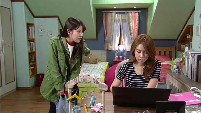 超越血緣完全羈絆 韓國有一種友情叫做IU和劉寅娜。(圖/中天娛樂台提供)