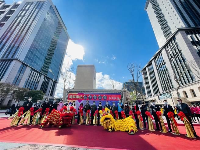 萬華車站地下停車場啟用 提供轉乘民眾297格車位。(吳康瑋攝)