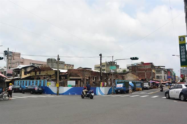 苗栗縣歷史建築苑裡公有零售市場將於1月25日辦理緊急加固工程,屆時為公路部分路段將實施交通管制。(本報資料照片)