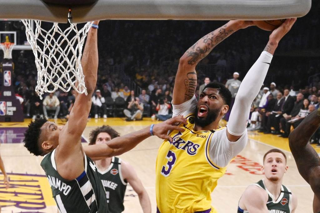 NBA湖人與公鹿兩強交鋒。(美聯社資料照)