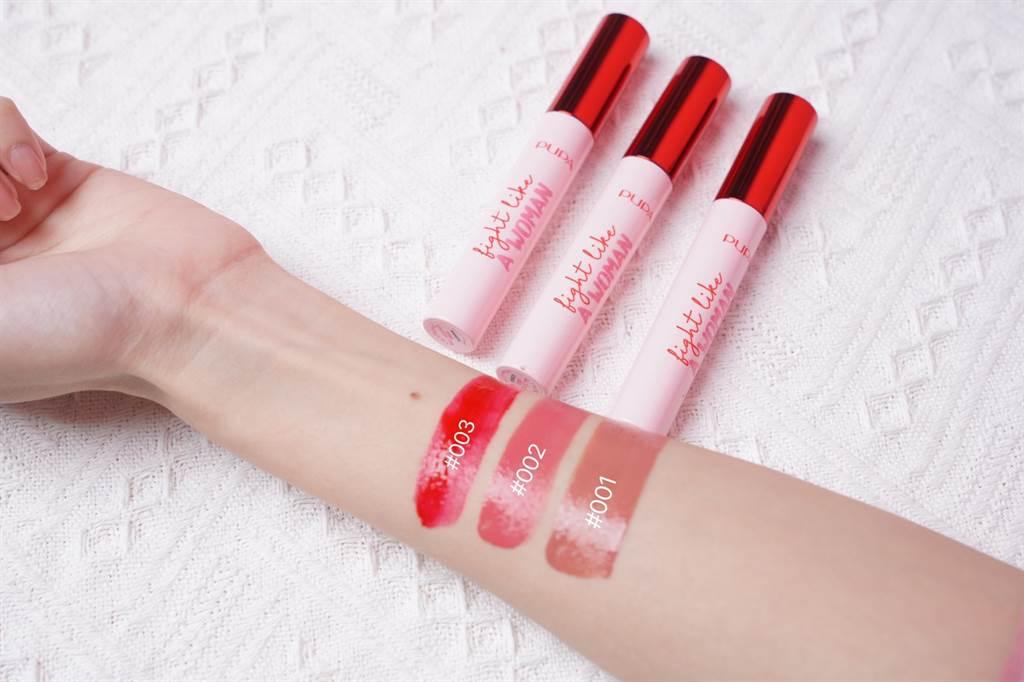 粉紅新女力蜜糖唇釉的特殊成分可釋放最鮮明的顏色,並確保上色後的持久度,呈現平滑光澤的視覺效果。(圖/品牌提供)
