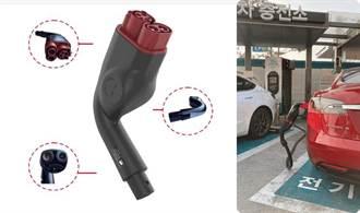 非官方 CCS1 特斯拉转接头 GG!充电异常搞残 Model 3,车主惨拖回厂维修