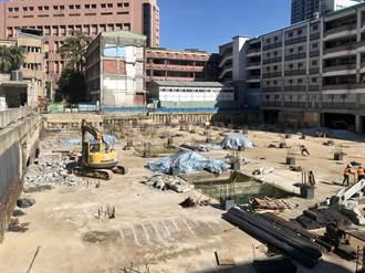 信義國小停車場明年初完工 巷弄彎道8月恢復直線通行