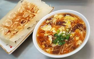 【史話】家鄉味.人情味》脆皮煎餃+酸辣湯 眷村老味道