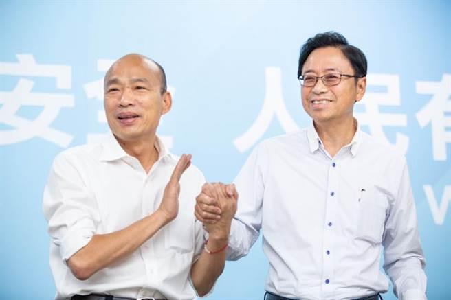 韓國瑜(左)、張善政(右)曾搭檔參選總統大選。(取自張善政臉書)