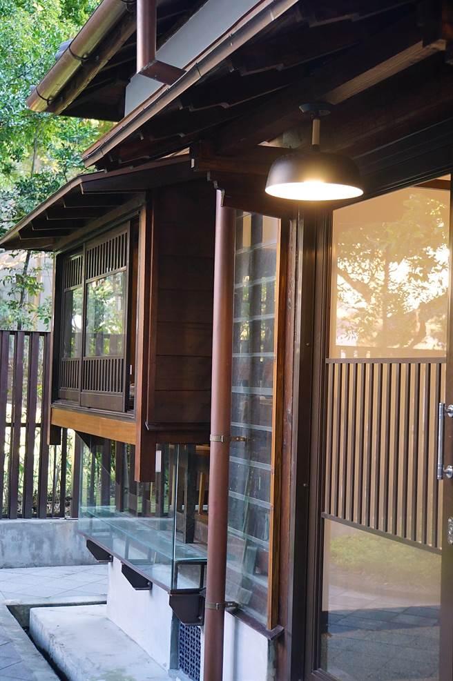 古老日式建築本身就是「一種味道」,〈Matcha One 齊東〉從踏進院內開始就很有「味道」。(圖/姚舜)
