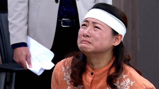 飾演管家的蘇意菁揭露真假太子。(三立提供)
