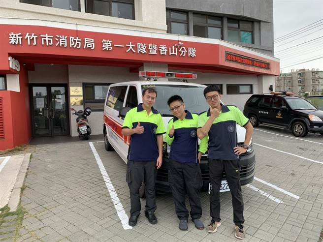國內疫情越發嚴峻,新竹市消防局宣布協助救護工作的鳳凰志工22日起暫停支援(竹市消防局提供/邱立雅竹市傳真)
