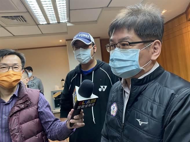 才剛接任體育署副署長洪志昌強調這次是否前往派隊前往日本,一切都以安全第一作為考量。(黃及人攝)
