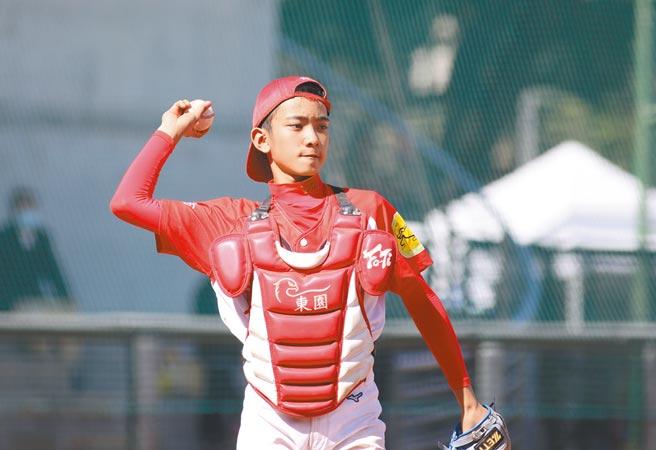 東園國小莊昀融被教練看好有成為國手的潛力。(中華棒協提供)