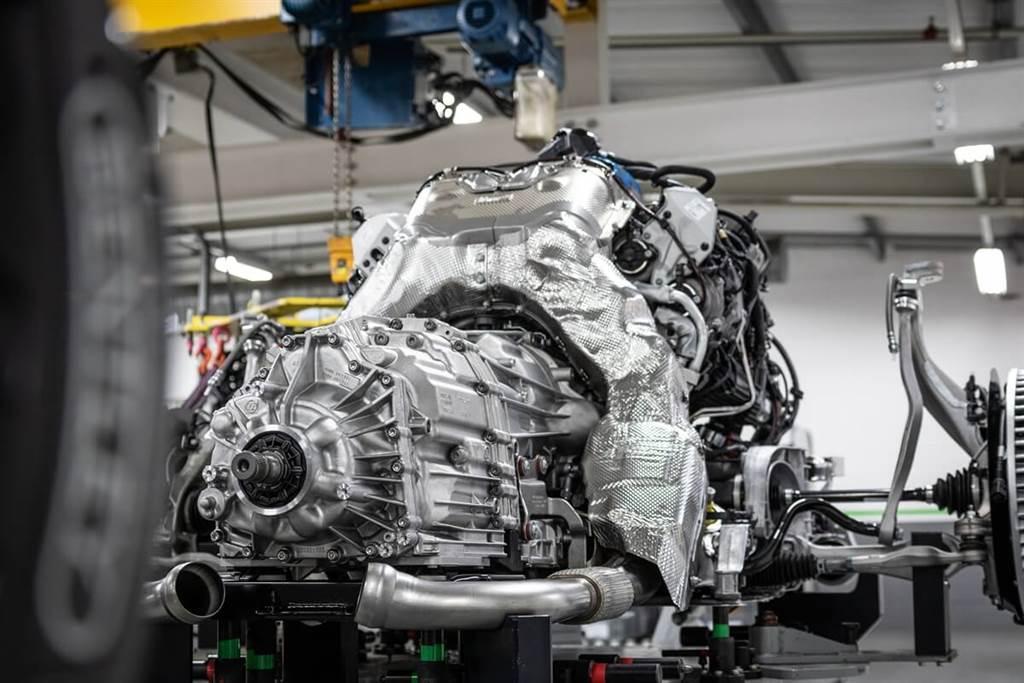 Bentley Flying Spur V8驅動力剖析與數據
