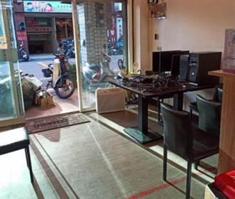 王浩宇被罷免後 服務處現況曝光 堆滿清出物品