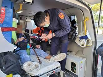 八旬長者不慎跌倒 警員協助送醫